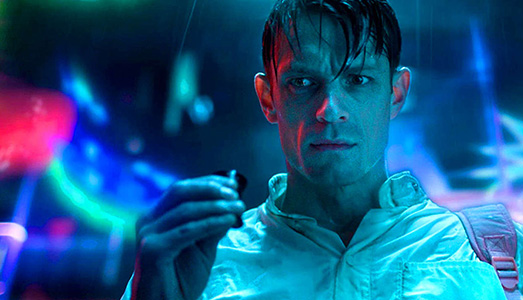 Binge Watching | Altered Carbon -